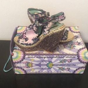Wedge platform shoes
